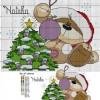 Схема вышивки «Медвежонок возле ёлки»