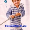 Вязанная спицами кофта для мальчика