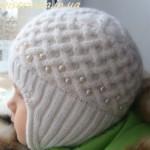 Детская шапочка выполненная спицами «Жемчужина»
